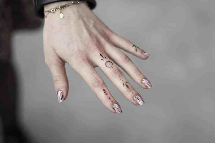 Finger Tattoos 2021050206 - The Best Finger Tattoos to Impress You