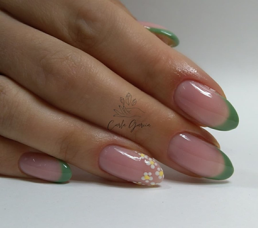 Green Nails 2021082206 - The Most Fashionable Green Nails to Impress You