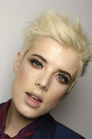"""Agyness Deyn (b.1983) - Born and raised in UK as Laura Hollins. She worked as a model and became a superstar overnight, beating out models like Kate Moss, in 2008. She soon turned to singing and acting as well. She played Aphrodite in """"Clash of the Titans"""" (2010). Agyness is married to actor Giovanni Ribisi."""