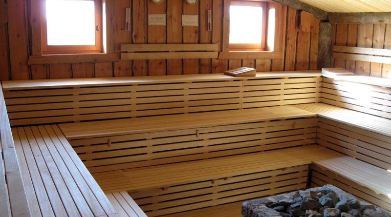 Health Benefits of Infrared Saunas vs Traditional Saunas
