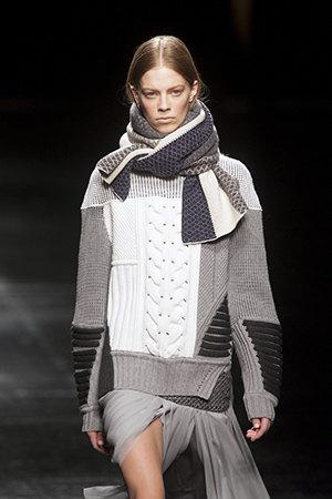 Voluminous scarf