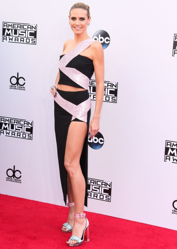 Heidi Klum outfits at American Music Awards 2015