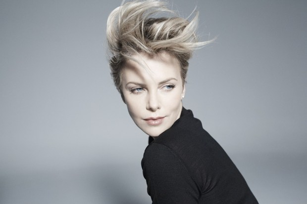 Celebrity Charlize Theron short haircut