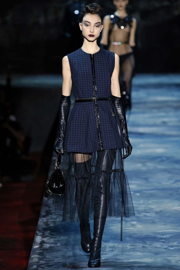 5 Marc Jacobs Fall Winter 2016 2017 Collection