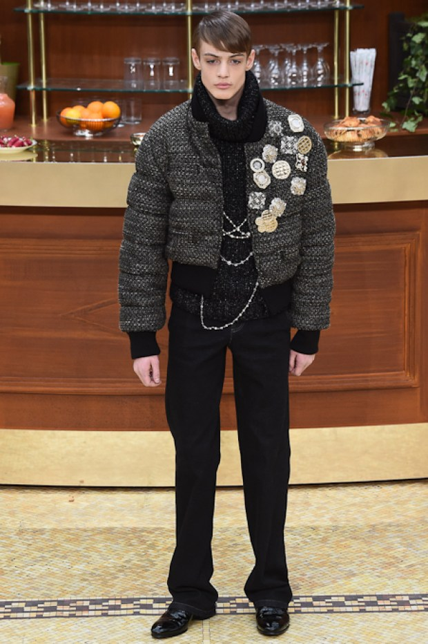19ChanelFallWinter20152016Collection