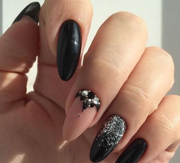 Oval shaped nails 2019