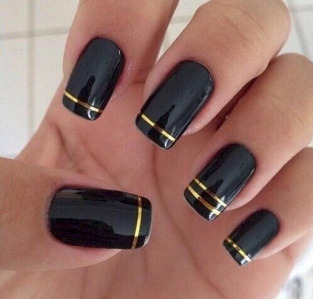 Black nails 2019