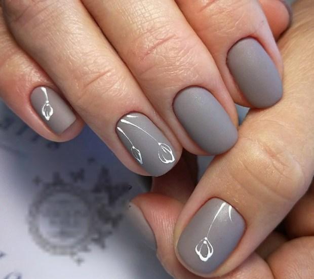 Gray matte nails