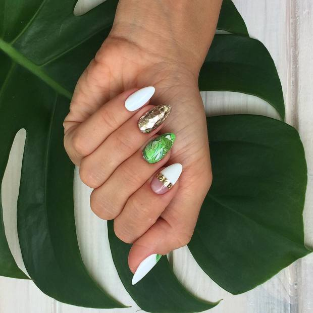 Almond nails colors trends fall 2020