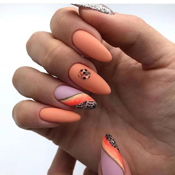 Orange nails 2021