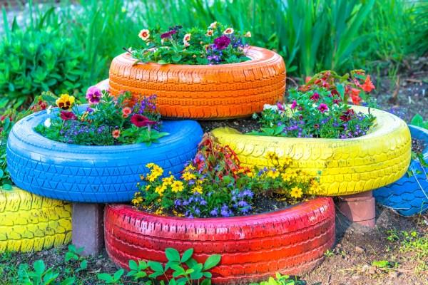 suporturi pentru flori, din cauciucuri vechi