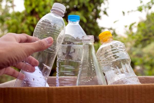 ce poti arunca in containerele de reciclare