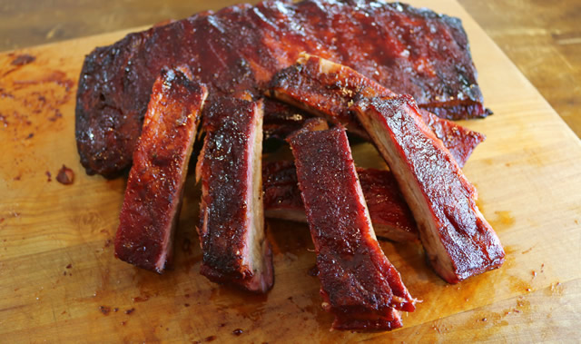 How much does a rack of pork back ribs weigh