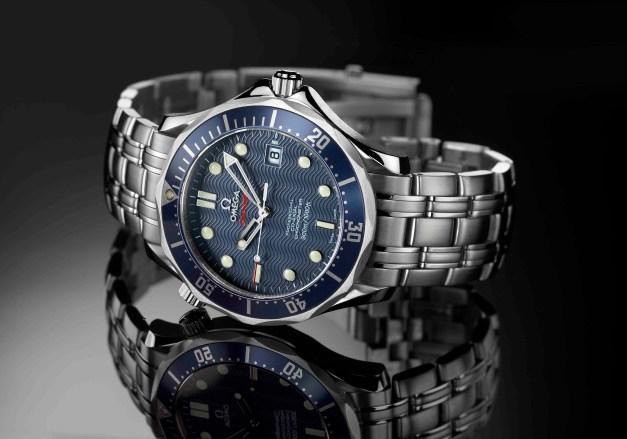 https://i0.wp.com/howtobeswell.files.wordpress.com/2012/02/omega-seamaster-222080-james-bond-watch-casino-royale-2006.jpg?resize=627%2C439