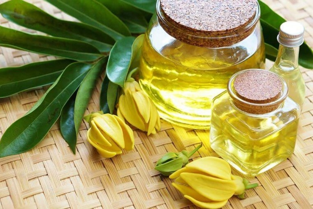 Ylang Ylang oil for nerve pain