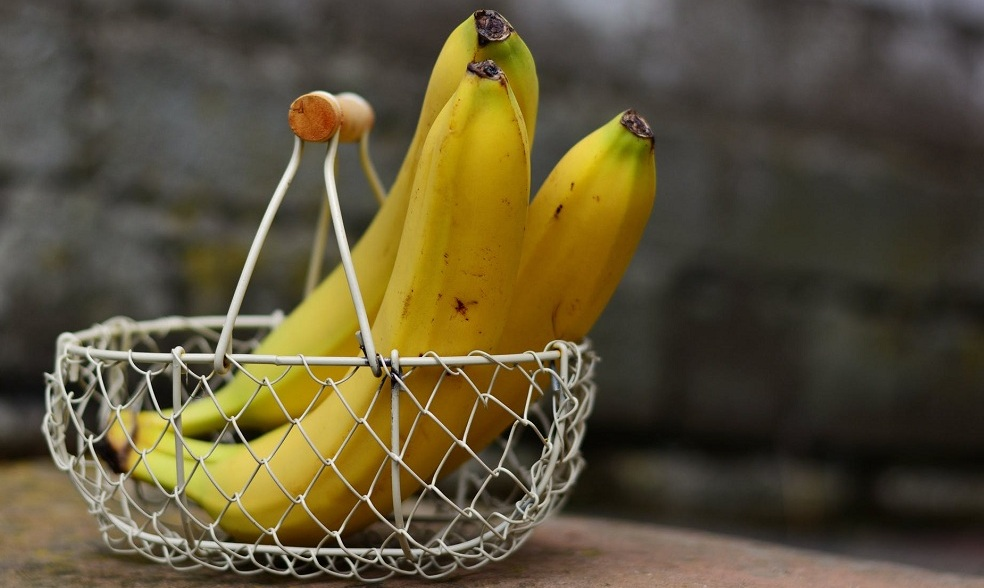 banana provide fast relief for acid reflection