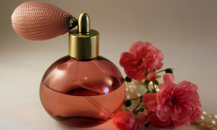 rose essential oil for rosacea