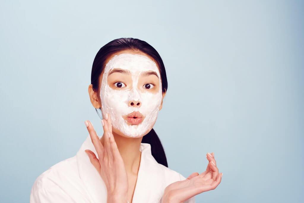 Aspirin mask to treat wrinkles