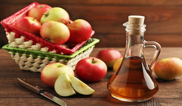 apple cider vinegar for to treat genital warts