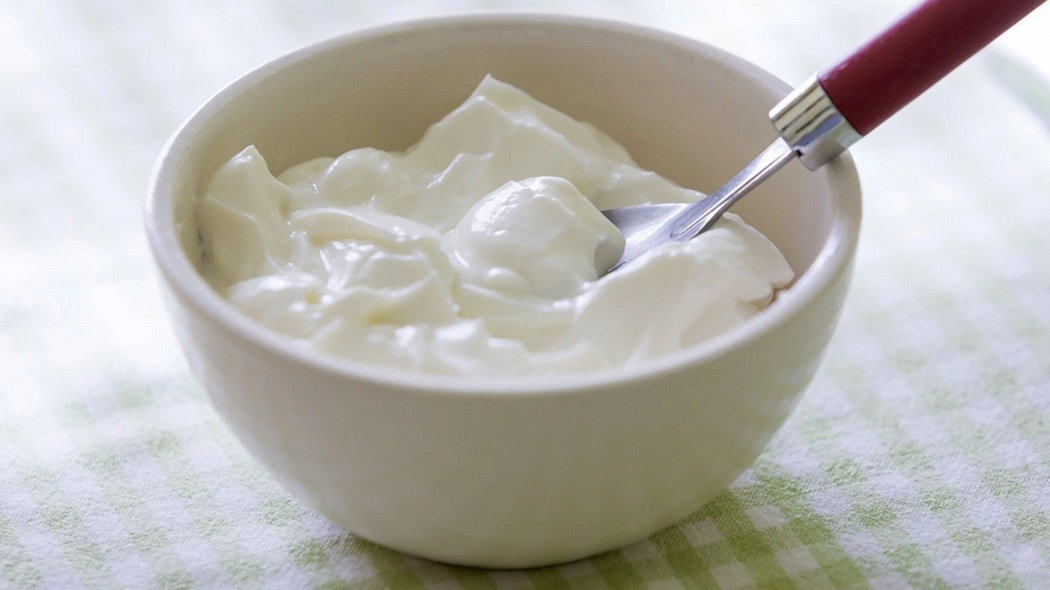 yogurt for the cure of itchy legs and itchy ankles