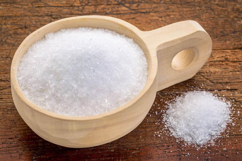Epsom salt bath to remove skin tags