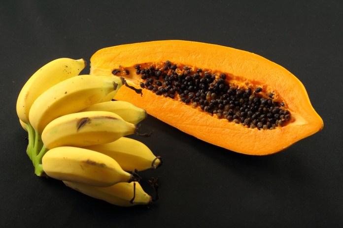 bananas and papayas to tighten loose skin