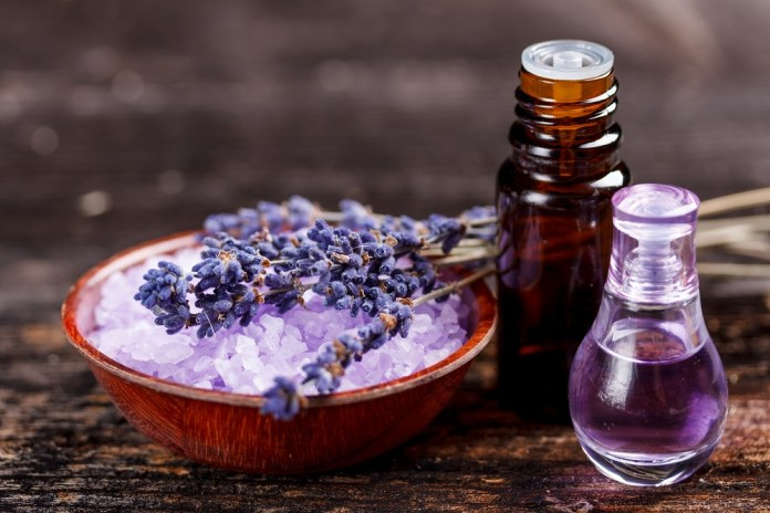 lavender essential oil for calming