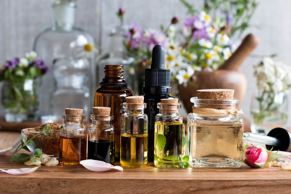 Essential oils for canker cure