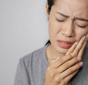 Clove Oil for Toothache