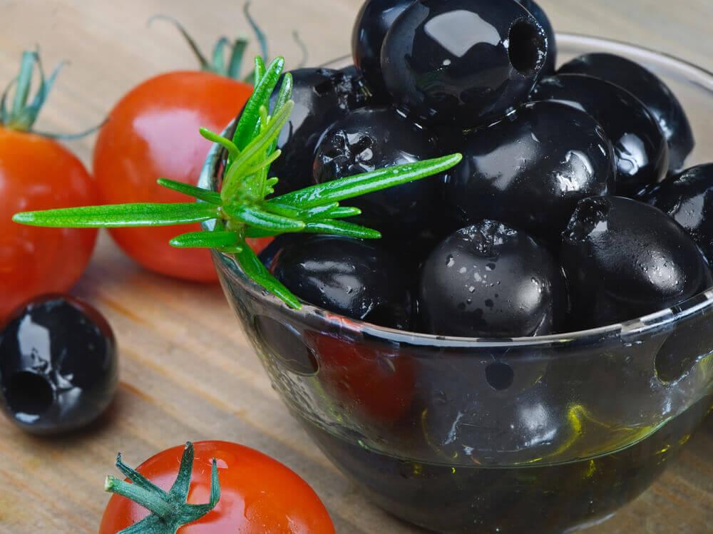 Benefits of Black Olives