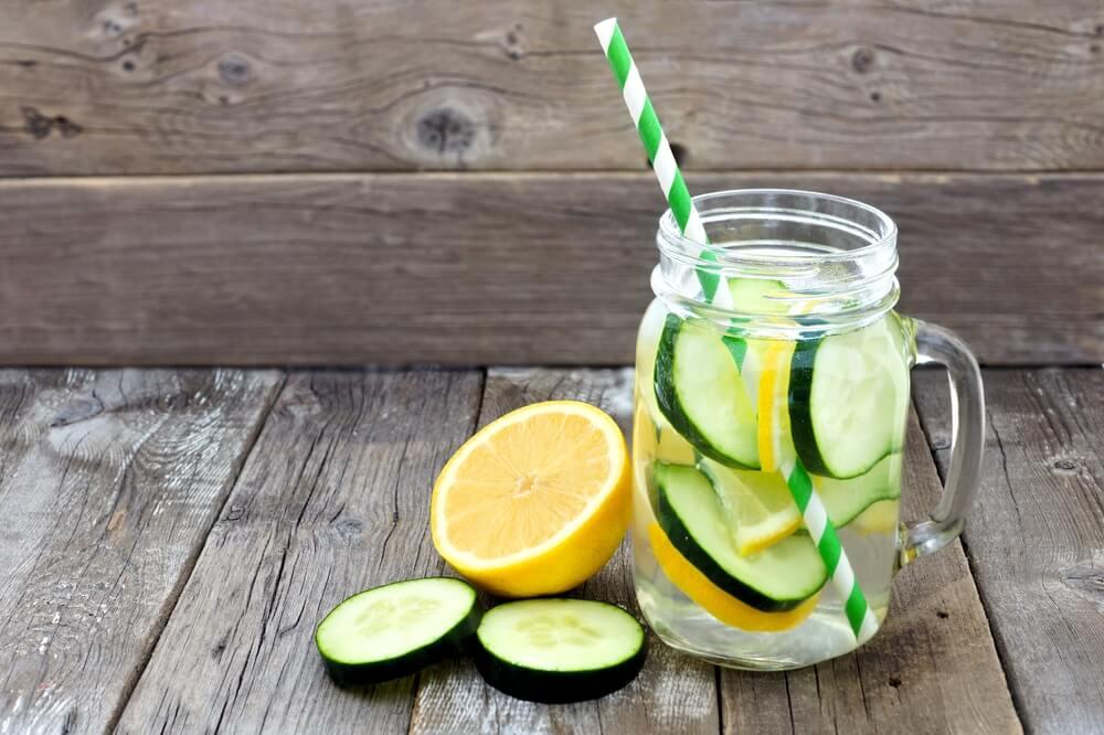Lemon and Cucumber Water Detox