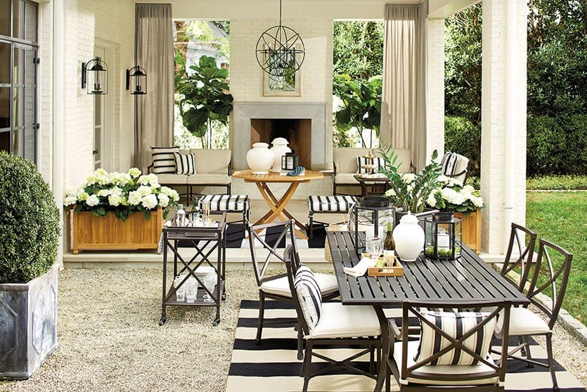 7 Ways To Decorate Outdoor Spaces With Stripes
