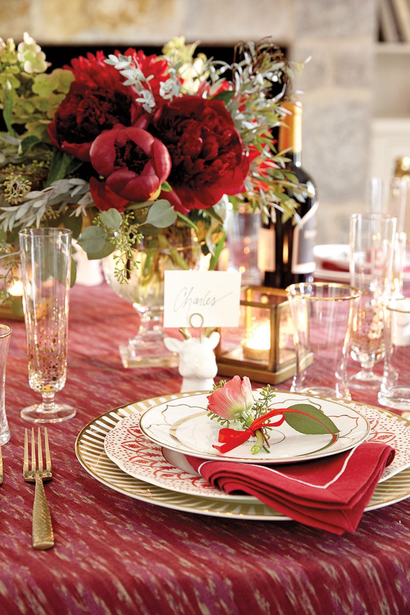 The Perfect Christmas Table Setting  How To Decorate