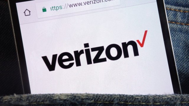 A photo of a phone with the Verizon logo.