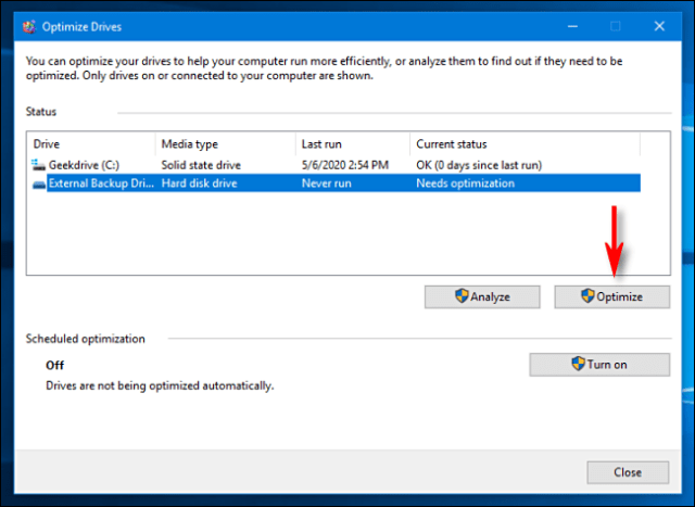 A list of readers in the Windows 10 optimization and defragmentation tool