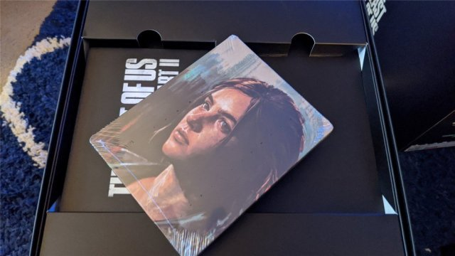 The Last of Us Part II Collector's Edition SteelCase Ellie side
