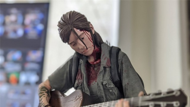 A portrait of the Ellie statue in The Last of Us Part II Collector's Edition
