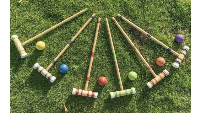 Croquet set with mallets, balls, wickets and stakes