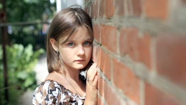 Lauda Describes Vibrating High Enough To Walk Through A Wall As A Child