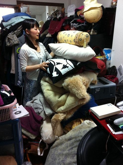 Marie Kondo Organizing Closet