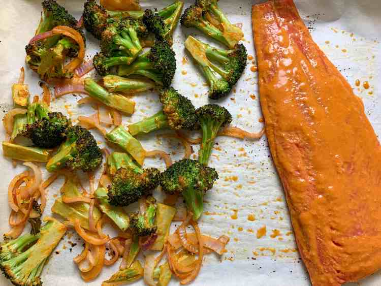 salmon and broccoli roasting