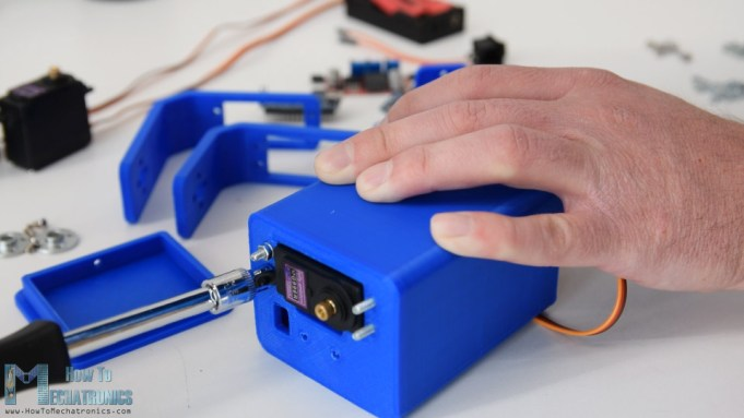 Arduino Gimbal servo motor installation
