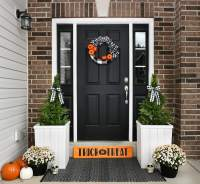 Halloween Front Porch Ideas: Trick or Treat Wood Sign