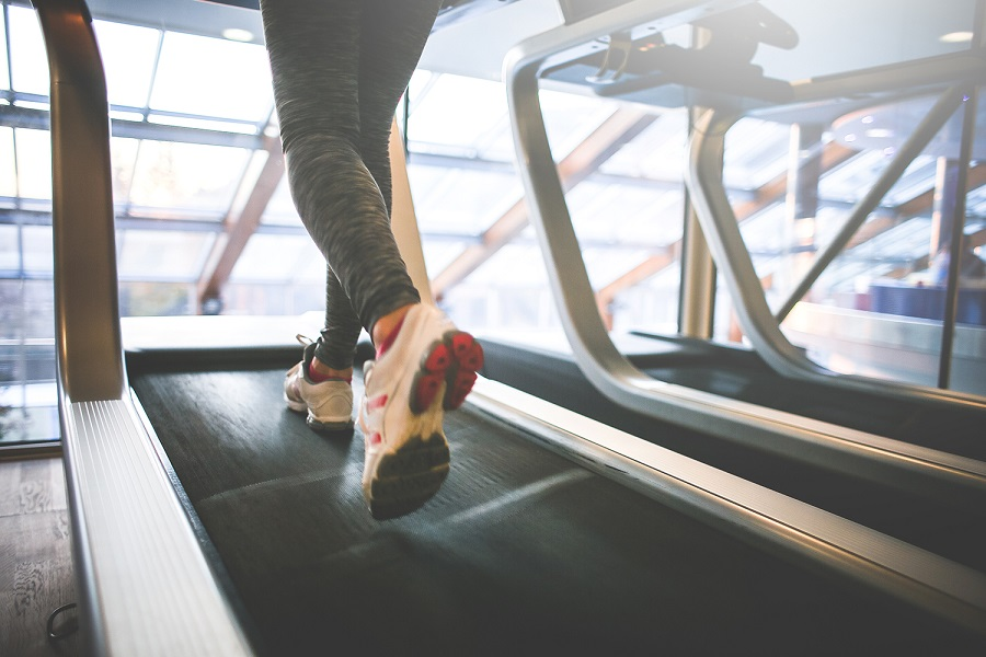 How to Run Faster - Interval Training on Treadmill