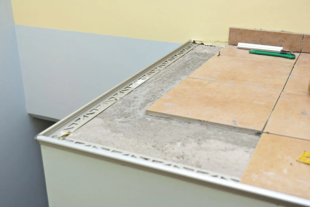 how to tile corners howtospecialist