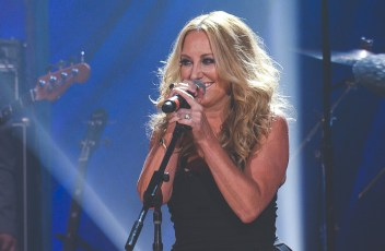 lee-ann-womack---don-t-listen-to-the-wind