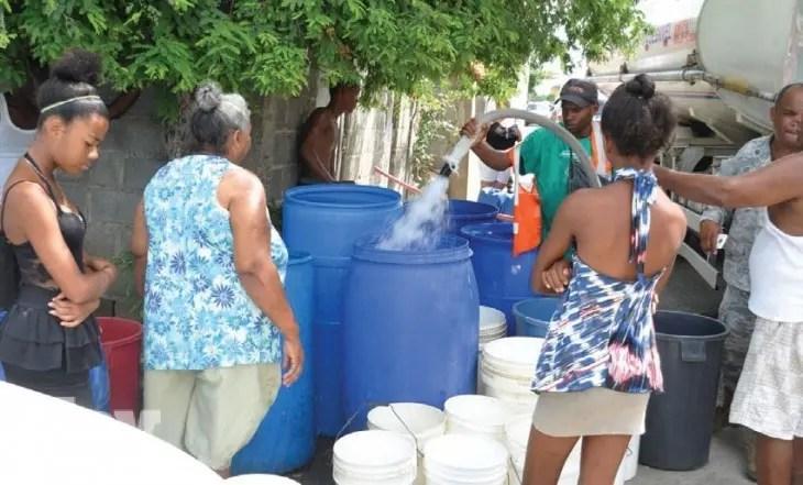 as escuelas serán priorizadas en el abastecimiento de agua potable a partir del lunes, informó la Corporación del Acueducto y Alcantarillado de Santo Domingo (Caasd), debido a que a partir de esa fecha inicia el año escolar 2015-2016