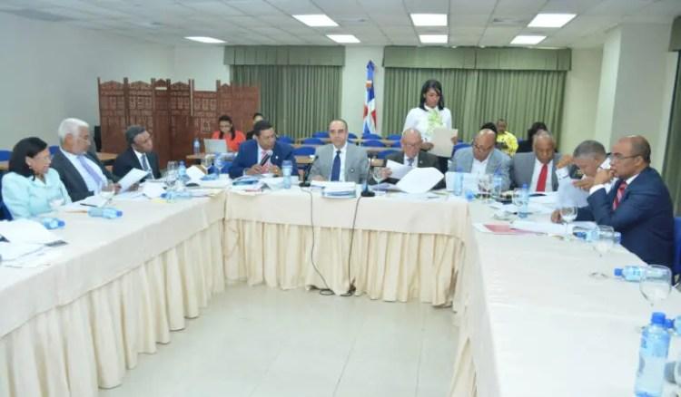 REUNION DE LA COMISION BICAMERAL PARA DISCUTIR LA LEY DE PARTIDOS, EN EL PALACIO DEL CONGRESO NACIONAL.