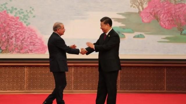 Presidente de RD y junto al mandatario de China.