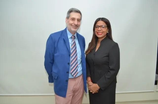 Carlos Hernández y Carol Martínez